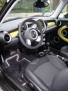 Mini E interior